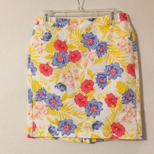 Women's size 4 Floral A-Line Skirt